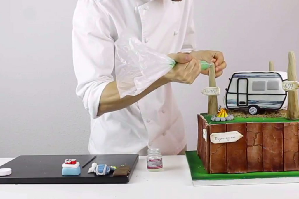 tutorial-tarta-fondant-camping