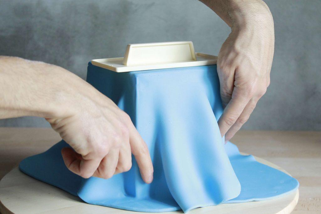 como-hacer-tarta-fondant-cuadrada