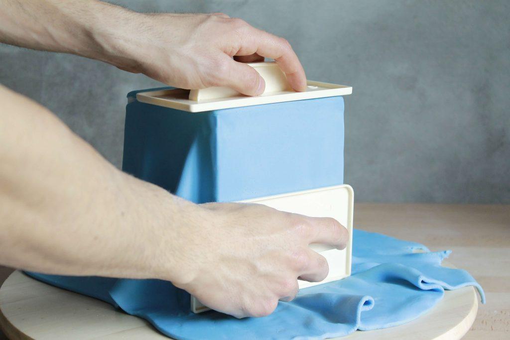 tutorial-cubrir-tarta-fondant