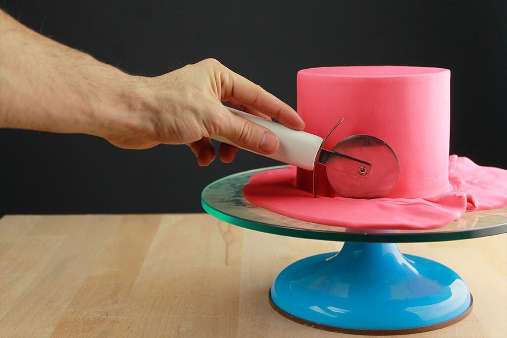 como-forrar-tarta-redonda-fondant-trucos